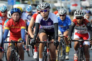 2013 Tour of Thailand women race stage 2 group photo