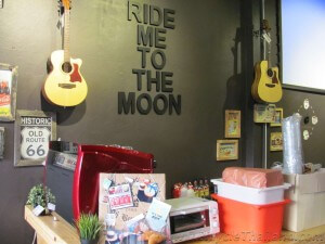 BKOOL Cafe Ride me to the moon sign