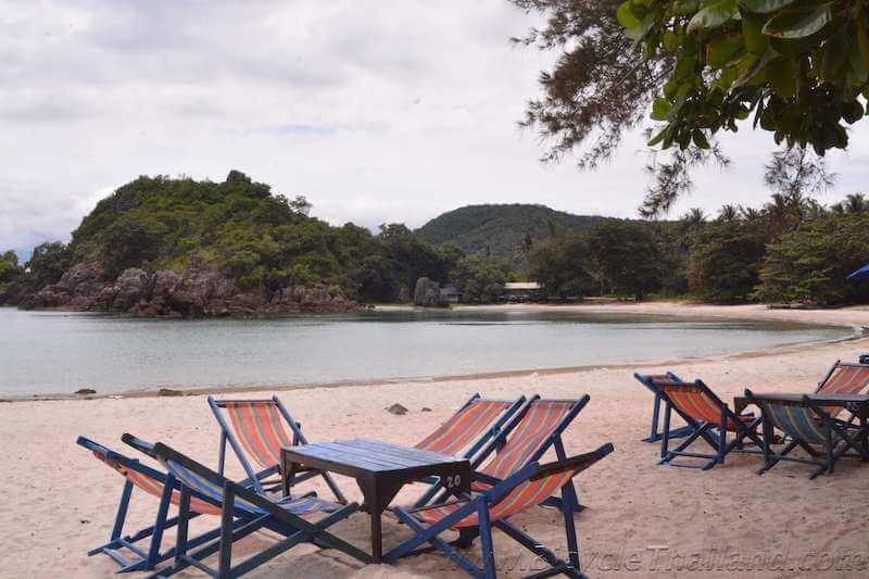 Lunch stop at Bo Thong Lang Bay