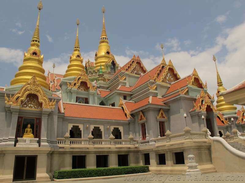 The temple atop Khao Thong Sai