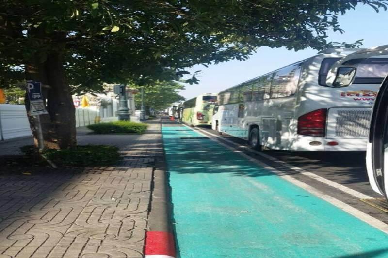 daily-news-bangkok-bicycle-lanes-causing-traffic-jams-december-14-2016